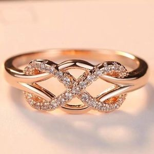 New 18K Rose Gold Diamond Infinity Cross Knot Ring